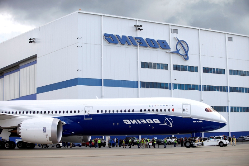 Boeing defends Dreamliner plant against claim of shoddy production