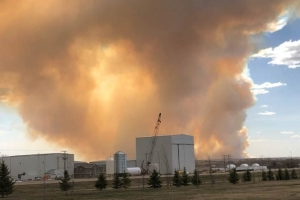 'Out of control' fire prompts state of emergency in Biggar, Sask. area