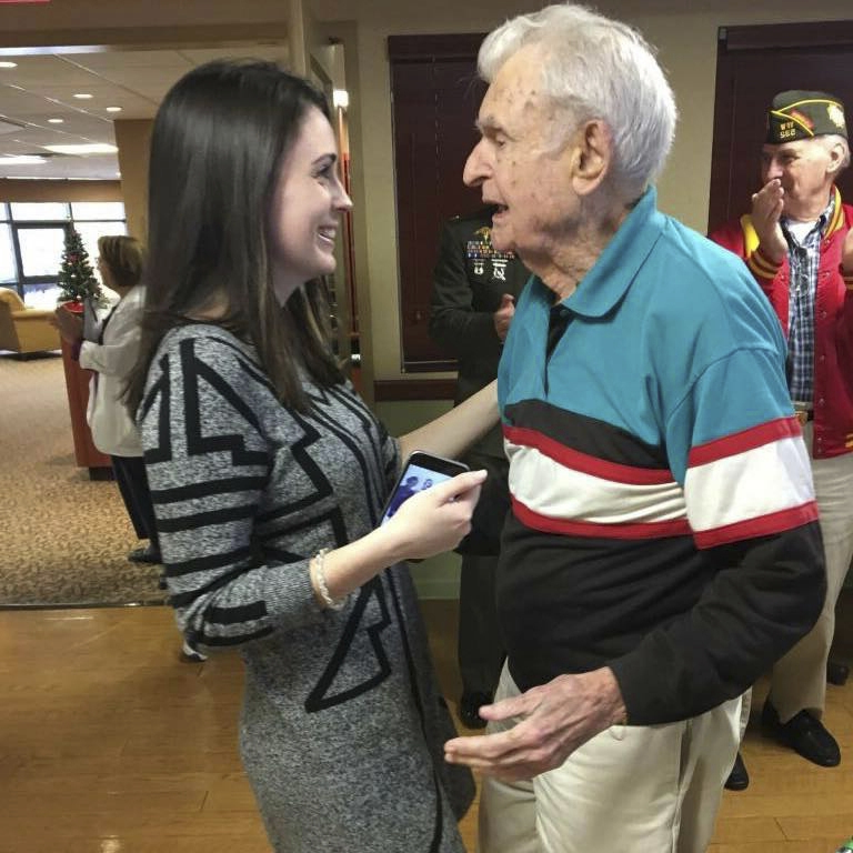US: Woman makes sure decorated WWII Marine gets hero's farewell