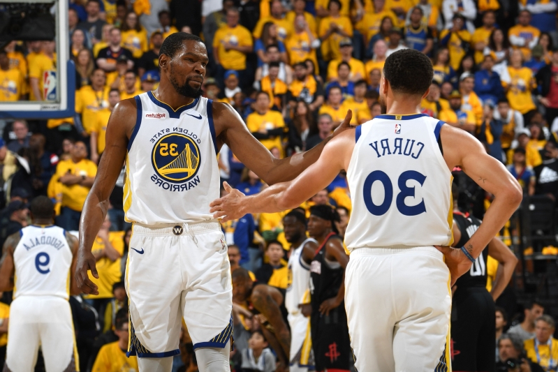 b6149099e22f Sport  Durant s 35 points carry Warriors past Rockets in Game 1 ...