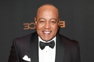 Singer Peabo Bryson Hospitalized After Suffering 'Mild' Heart Attack