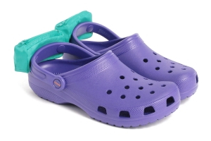 d474368cd Style  These Crocs Have Fanny Packs