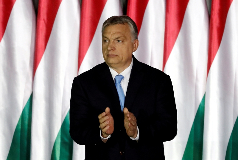 EU conservatives must work with populists, shun left, Orban says