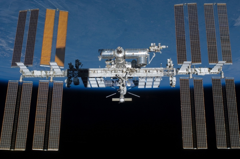 NASA delays SpaceX's ISS resupply mission over space station glitch