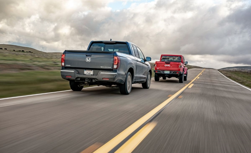 Reviews: The 2019 Ford Ranger and 2020 Jeep Gladiator vs ...