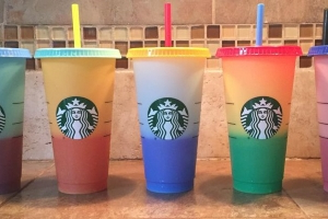 These Color-Changing Reusable Cups From Starbucks Are Completely Mesmerizing