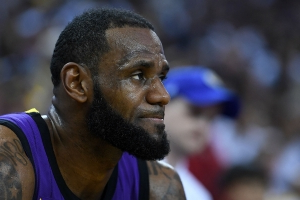 LeBron James breaks silence on Magic Johnson's abrupt resignation