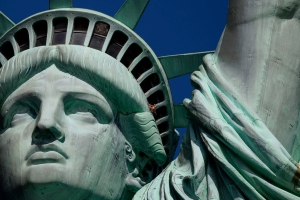 Statue of Liberty Sets New Rules to Ease Tourist Overcrowding
