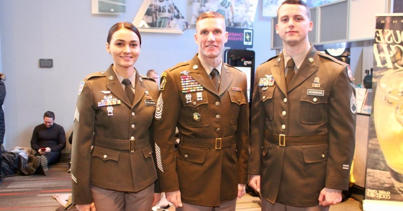 US: To Stand Out, the Army Picks a New Uniform With a World