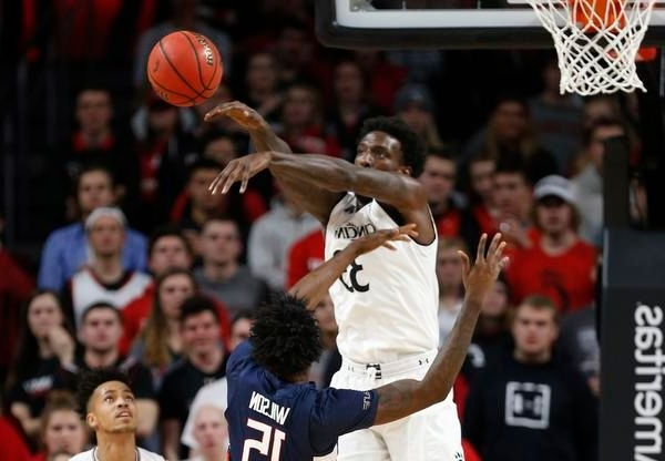 Nysier Brooks: Miami Hurricanes get UC Bearcats transfer center