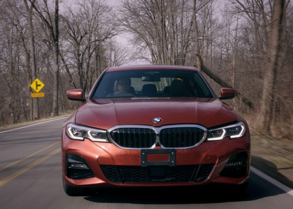 Auto Shows: 2019 BMW 330i xDrive review: The new and