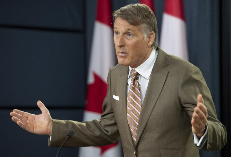 Emma Teitel: Why is Maxime Bernier so obsessed with tampons?