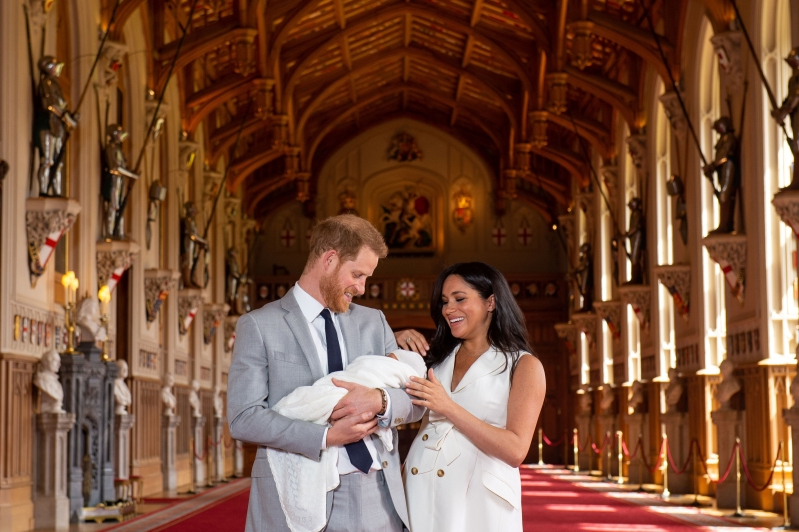 ff7205e0552 Meghan Markle praised for showing off  real  postpartum body in belted  white dress days
