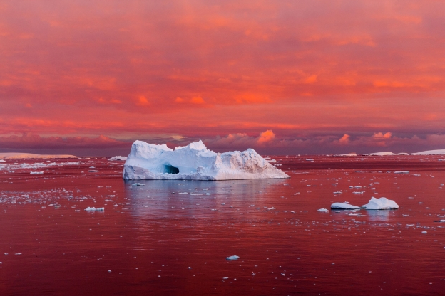 Bizarre form of hot ice seen on Earth