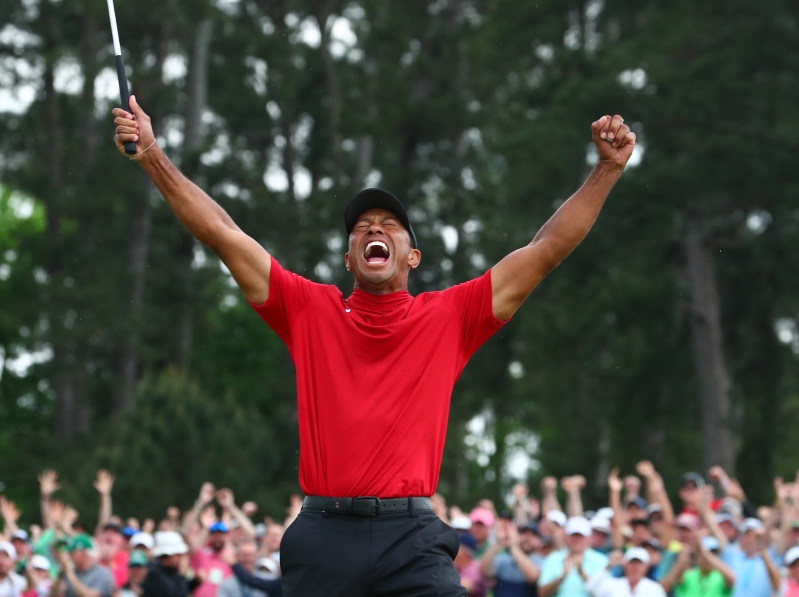 Tiger Woods will equal Jack Nicklaus in major championships, Masters wins, according to caddie poll