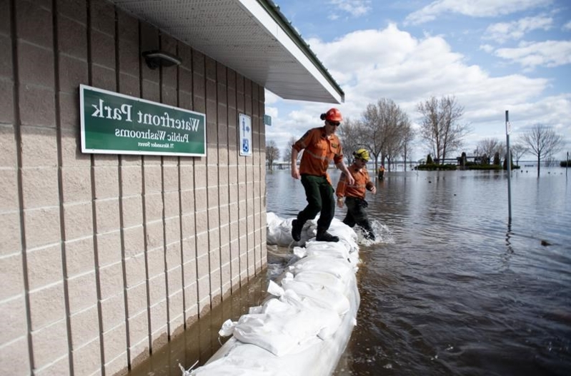 Eastern Ontario communities reeling as Ottawa River hits historic high