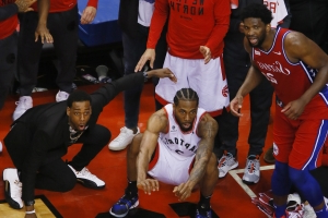 These four photos of Kawhi Leonard watching his buzzer-beater are incredible