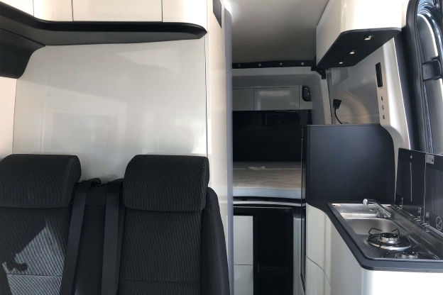 Campingbus mit Heck-Slide-out - Westfalia James Cook (2020)