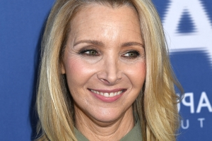 Lisa Kudrow Reveals Why She Doesn't Watch 'Friends' Reruns (Exclusive)