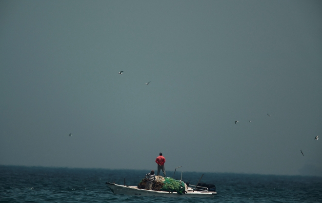 World: Tankers reported damaged off UAE on major oil trade