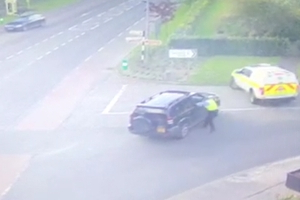 Video shows brave garda suffering injuries after being dragged by car driven by drunk-driver in Tipperary