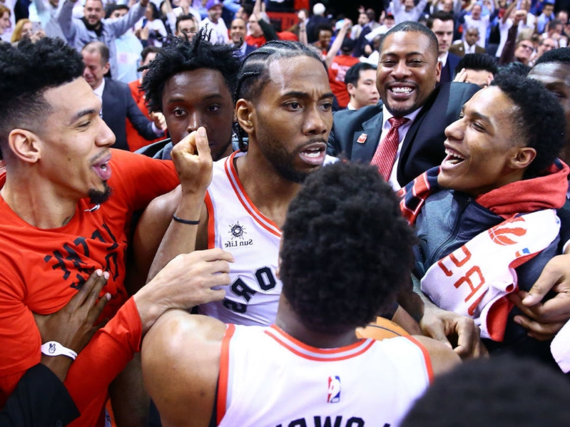 Conspiracy theorists think Kawhi's shot went in because of magnets