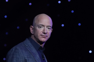 Jeff Bezos personally dumps a truckload of dirt on FedEx's future