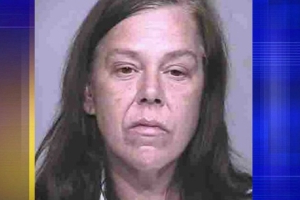 Arizona woman smothers mom, places bottle of gin on body, court documents say