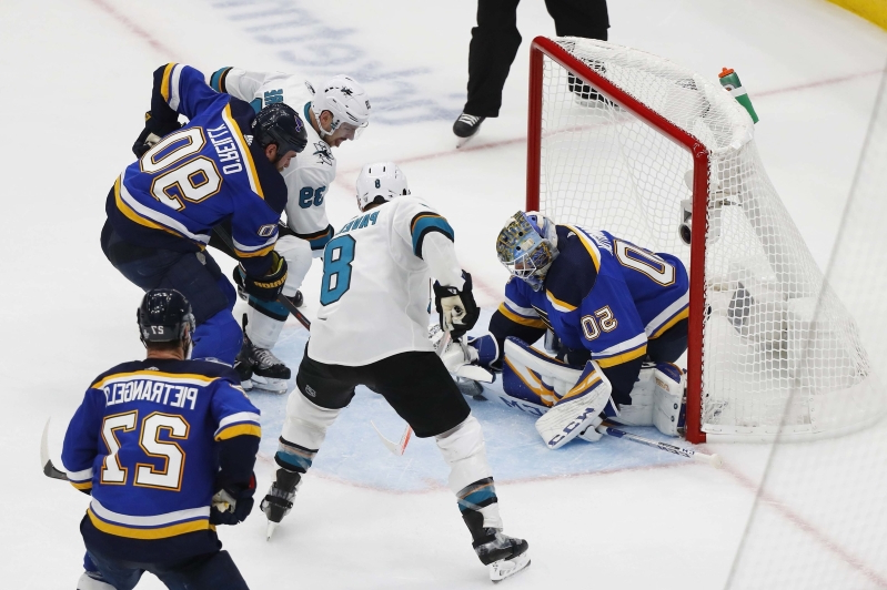 Blues GM Doug Armstrong curses out 'garbage' officials for blown call