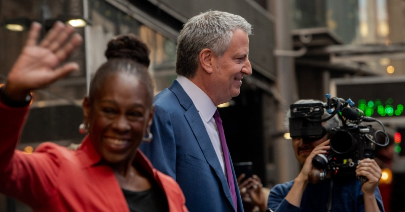 Heckles, Support, Shrugs: New Yorkers on de Blasio's Presidential Bid