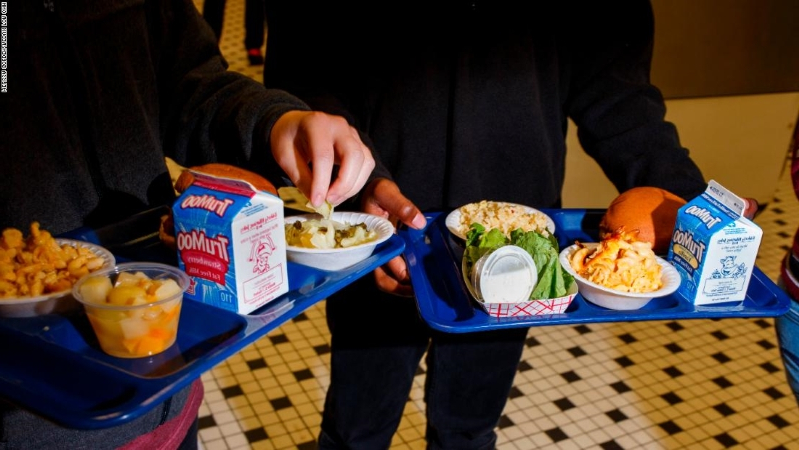 "Rhode Island school district changes lunch policy to prevent ""lunch shaming"""