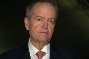 'We have lost a favourite son': Bill Shorten pays tribute to Hawke