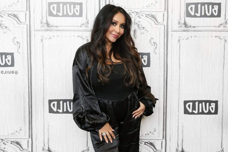 25aab3a62 Nicole 'Snooki' Polizzi Says She's 'Miserable' Waiting for Third Baby's  Arrival: