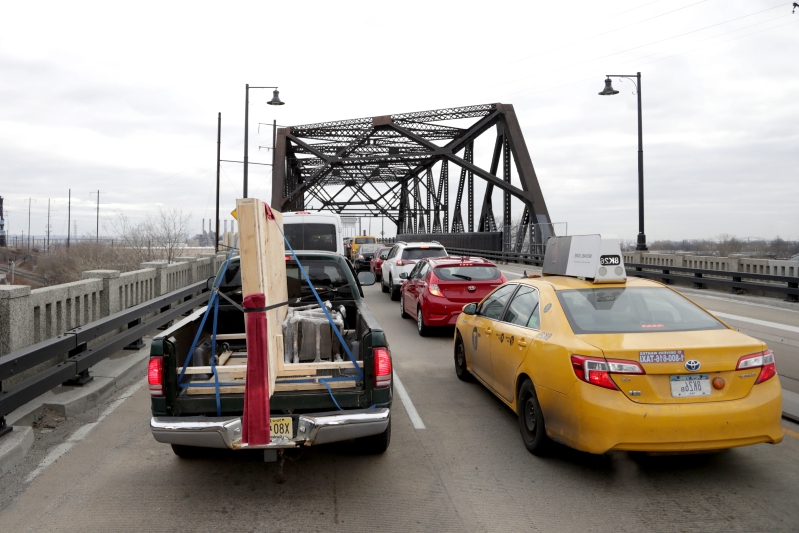 Chemical plant fire closes Pulaski Skyway near New York City: Reports