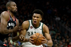 NBA playoffs 2019: 3 takeaways from Bucks' dominant Game 2 win over Raptors