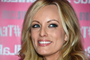Stormy Daniels reaches settlement with Michael Cohen, ex-lawyer