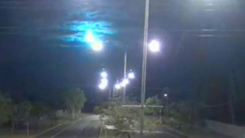 Australia: Bright flash lights up night sky in the outback