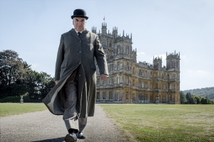 'Downton Abbey': The Crawleys Welcome King George V in Film's First Trailer (Video)