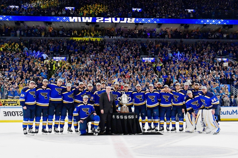 Blues avoid touching Campbell Bowl after winning Western Conference
