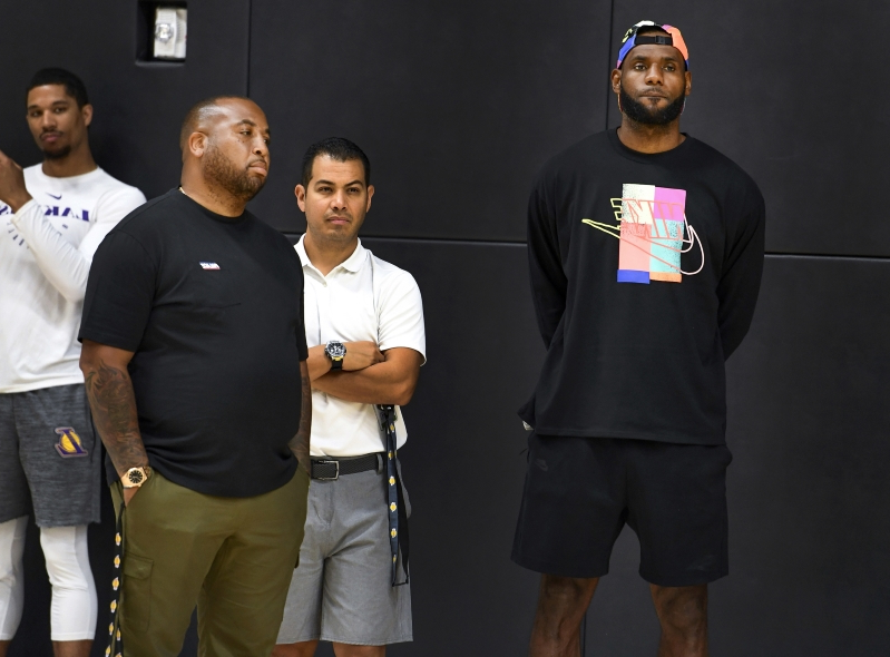LeBron James reportedly worried drama will impact Lakers in free agency