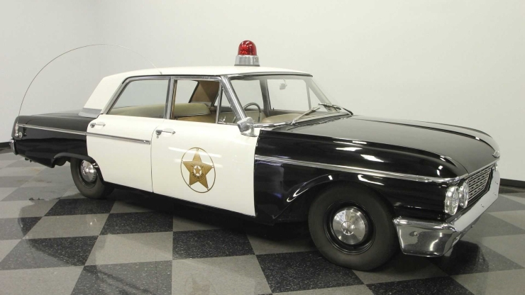 Use A 1962 Ford Galaxie 500 Mayberry Police Car To Arrest Time