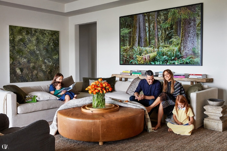 Entertainment: Step Inside Jessica Alba's Haven in Beverly
