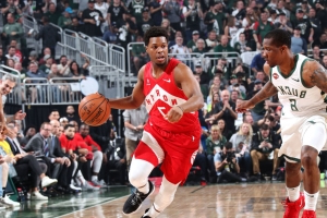 Lowry passes DeRozan to become Raptors' all-time playoff scoring leader