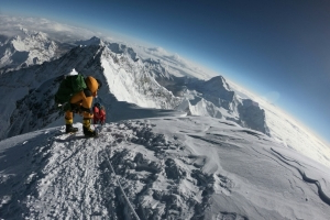 Deaths of British, Irish climbers add to Everest toll
