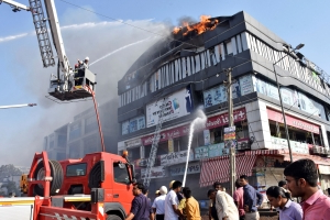 Fire in tutoring center kills 19 students in western India