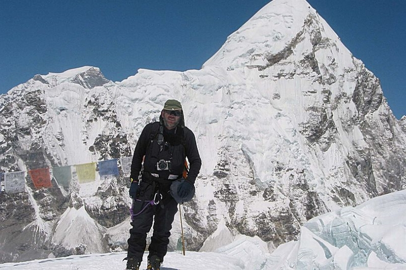 Irish dad Kevin Hynes dies while attempting to climb Mount Everest