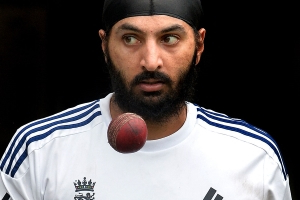 Panesar admits to 'ball tampering' in England team