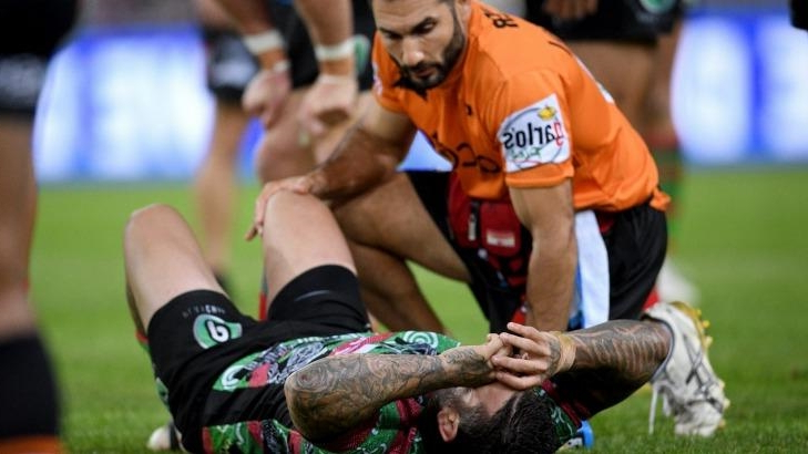 Reynolds hobbles out of Origin as depleted Rabbitohs march to 10th win
