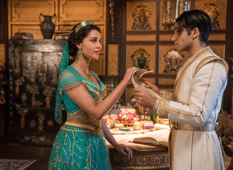 The rule was 'no midriff': Why Jasmine doesn't bare her belly in 'Aladdin'