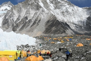 'It Was Like a Zoo': Death on an Unruly, Overcrowded Everest